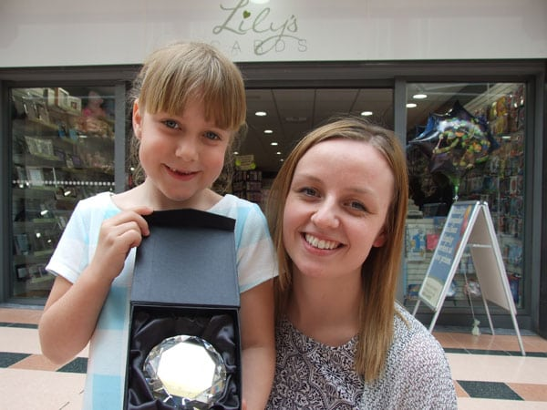 hot sale online 312e5 696f8 Lily Donates Hair for Young Cancer Sufferers - Idlewells ...